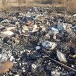 Consigliere (ed ex assessore all'Ambiente) denunciato per incendio di rifiuti pericolosi: chieste le dimissioni