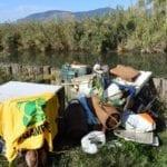 Ambientalisti, pescatori e scout al lavoro per pulire il Lago di Fondi