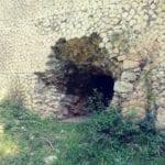 Il Tempio di Apollo come stalla? Nel dubbio, una certezza: l'Appia antica continua col degrado