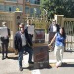 """Mascherine fantasma"", Fratelli d'Italia manifesta davanti alla Regione Lazio"