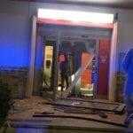 Esplosione notturna in banca, poi il colpo da 80mila euro