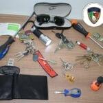 Folle fuga sull'auto rubata, utilizzata per i furti: tragedia sfiorata