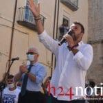 Salvini a Fondi: un bagno di folla a suon di staffilate – VIDEO e FOTO