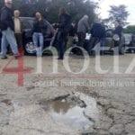 Formia, di chi è la competenza della strada? Protesta dei cittadini #VIDEO