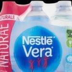 Possibile rischio batterico, ritirato un lotto di acqua Vera: i dettagli