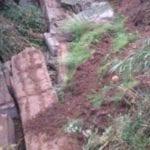 Formia, crolla un muro di contenimento – VIDEO