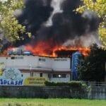 """""""Splash"""" distrutto da un incendio: raccolta fondi per ripartire. Le parole del proprietario"""
