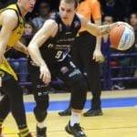Basket serie A2: Benacquista Latina in testa al campionato dopo la vittoria con Torino