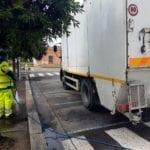 Latina, avviata la pulizia straordinaria di strade e marciapiedi