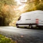 Virus, braccianti stipati nei furgoni: 27 persone denunciate