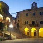 Il municipio di Priverno si illumina di giallo per la Giornata mondiale sull'endometriosi