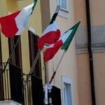 Il tricolore sventola sui balconi, Gaeta celebra il 25 Aprile