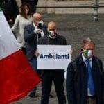 Procaccini con la Meloni e Fratelli d'Italia a manifestare a Palazzo Chigi
