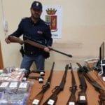 Latina, sequestro di droga e armi ad opera della Squadra Mobile – VIDEO