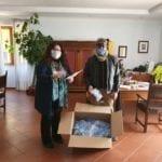 Consegnate circa 500 mascherine, la distribuzione continua