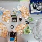 Cocaina ed anabolizzanti in casa: pregiudicato arrestato dalla Polizia