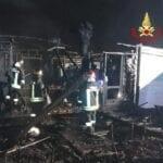 Incendio nel campeggio in via Badino, indagini in corso