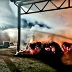 Incendio in un'azienda agricola: fiamme domate dai Vigili del fuoco (#VIDEO)